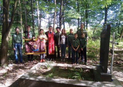 На могилі Олександра Блистіва, патрона куреня, 27 квітня 2018, с. Стеблівка